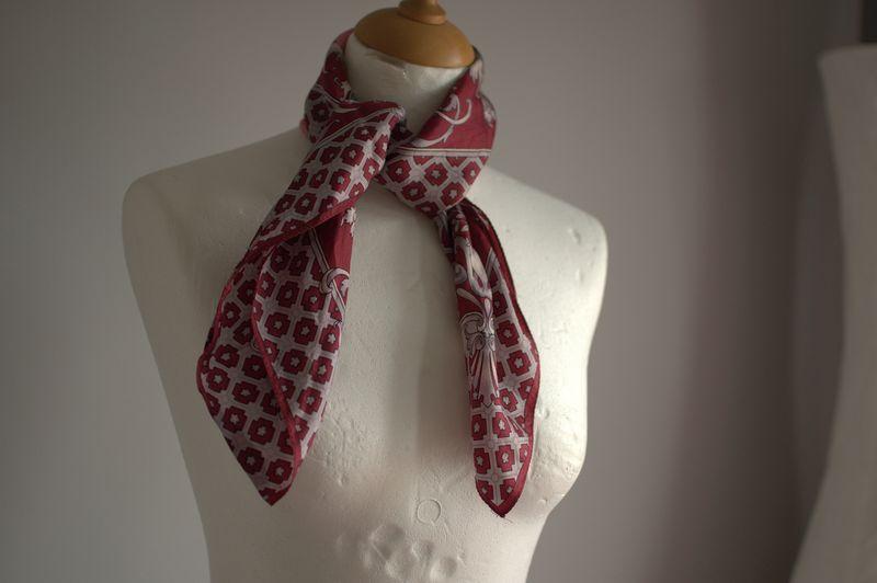 Vtg scarf